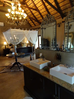 Honeymoon Suite Kings Camp Lodge Timbavati South Africa