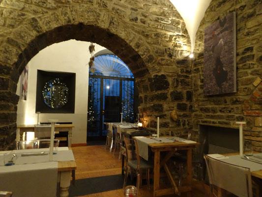 Restaurant feel Como Italy