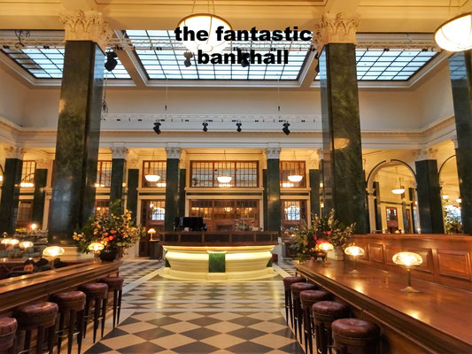 Bankhall of former Midland bank London