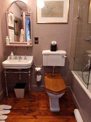 Toilet of Nan Shepherd Room