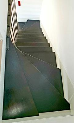 Escalier marches suspendues