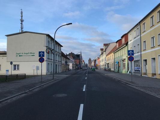 Clara Zetkin Straße ( einst auch Adolf Hitler Straße)