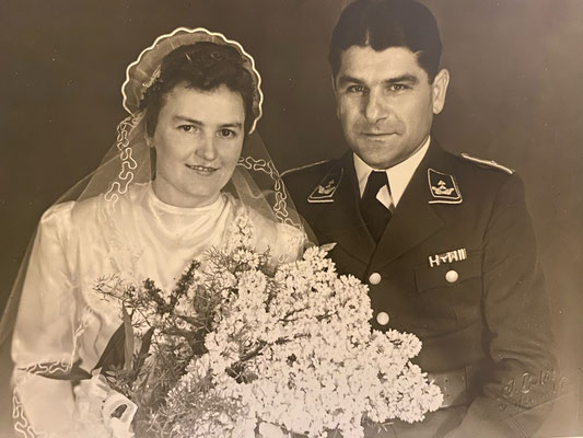 Charlotte and Oskar Elster at their wedding on the 18th July 1942