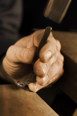 Fertigung Armband Gruppe Juni