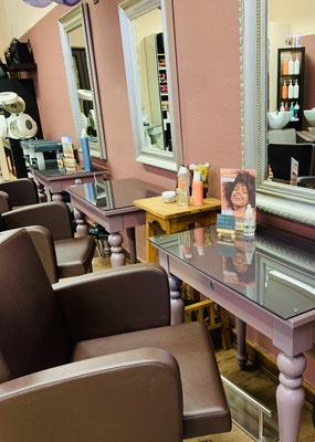 Sitzplätze im Salon des Altstadtfriseur Johann in Langen