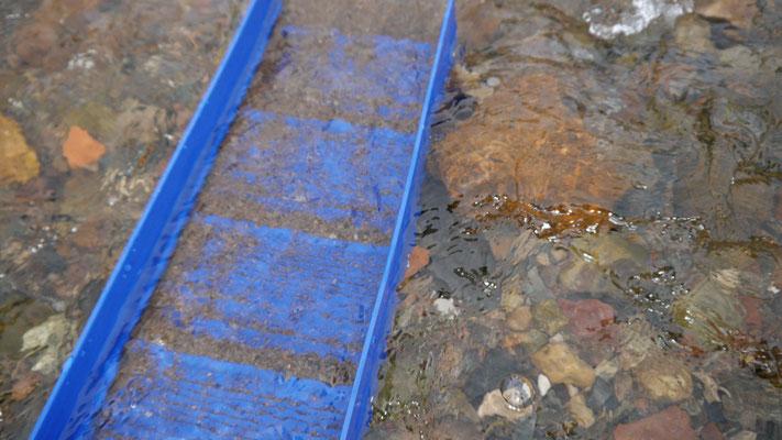 Materialaustausch in der Eldorado Goldwaschrinne