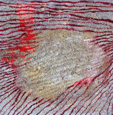 Spuren im Sand   ...   Acryl, Sand, Mischtechnik   ...   30 x 30 cm   ...