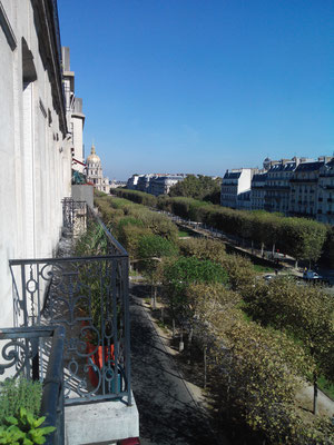 View from the 5th floor of So Beautiful! towards the Invalides dome.