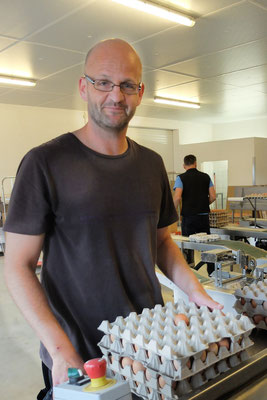 Urs Freitag, seit 21 Jahren Vollzeit auf Biohof, will artgerechte Tierhaltung