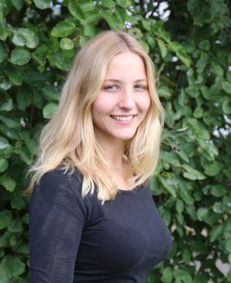Carlotta Holzhauer, Auszubildende