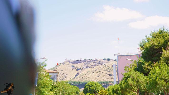 Das antike Pergamon thront über dem modernen Bergaman. Ein toller Anblick.