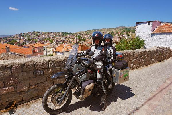 Auf dem Rundwanderweg hoch nach Pergamon.