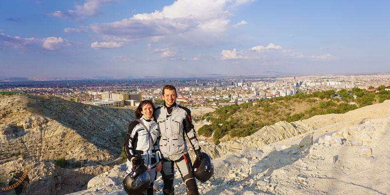Konya erreicht man über eine wunderbare Passstraße. Toller Ausblick gratis!