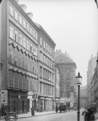 Firmensitz seit 1738 : Wien Tiefer Graben 17