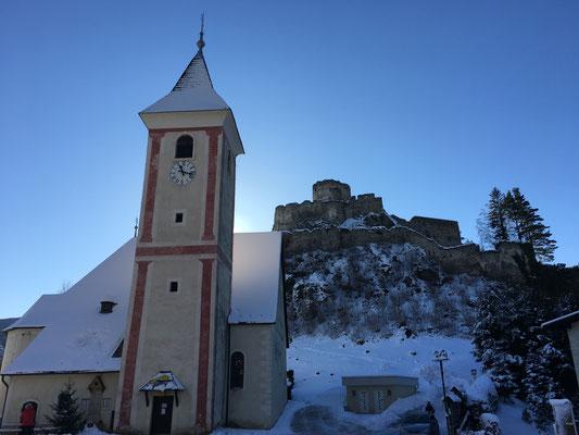 Kirche und Ruine Klam