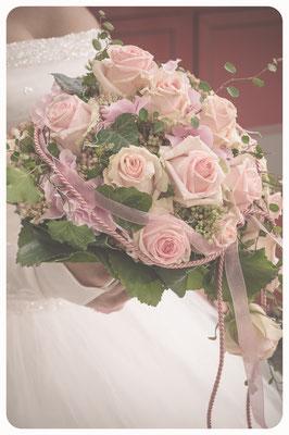 Hochzeitsbilder, Brautstrauß, Fotoshooting Hochzeit, Hochzeitsportrait, Hochzeitsreportage, Hochzeitsfotograf Braunschweig