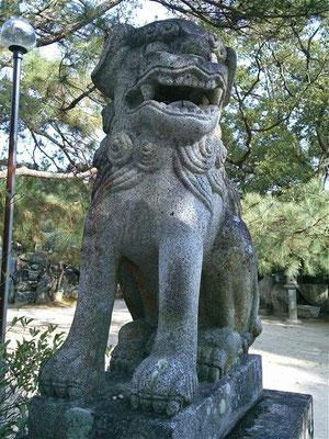 宮地嶽神社の狛犬阿形の写真