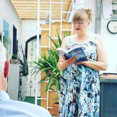 Lucia Schwarz liest aus ihrem Roman