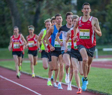Männer Spitzengruppe nach 200m