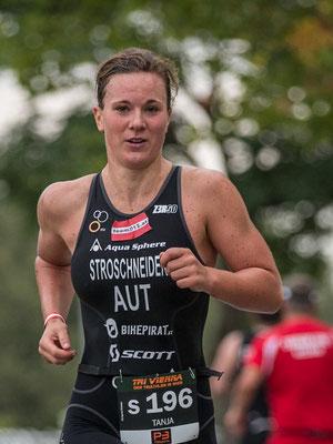 Tanja Stroschneider beim heuten Triathlon-Sieg in Wien