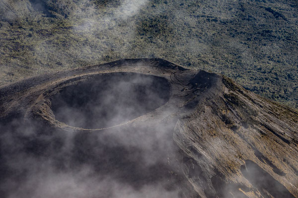 der Ash Hole Krater am Ausläufer des Meru. Zuletzt 1880 ausgebrochen
