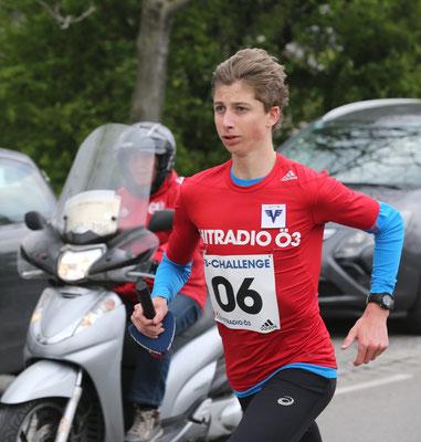 Timon Theuer vom team2012.at heute als Teil der Ö3-Staffel (von km 5 - 6, seine Zeit ca. 2:50)
