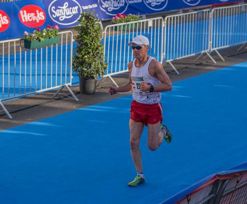 Gerald Holkovic (40:42, Rg. 6 in der M 55)