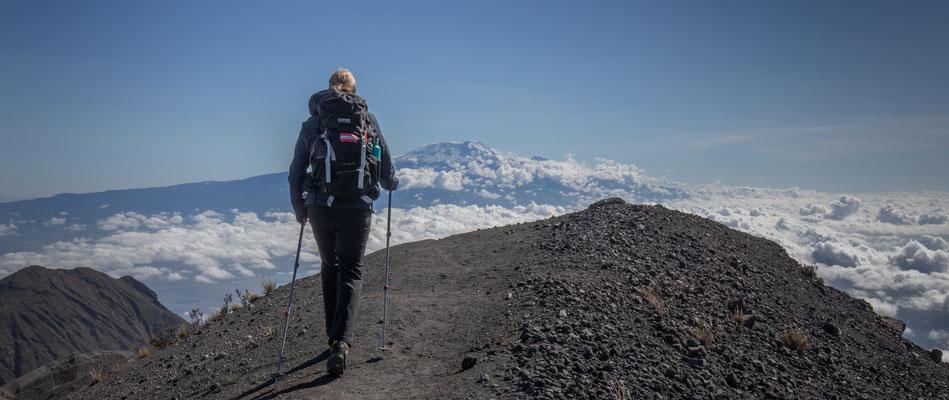 am Weg zurück immer wieder den Kilimandscharo vor uns im Blickfeld