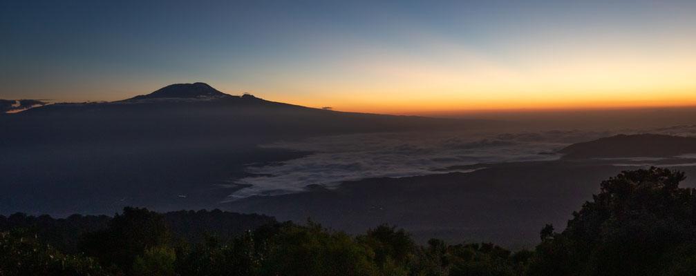 Blick hinüber zum Kilimandscharo.