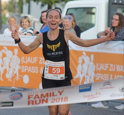 Lisa Hofstättner beim Zieleinlauf in Unterpetersdorf (Foto zVg)