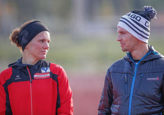 Tanja Stroschneider wäre auch gern gelaufen, wird nach der Op noch ein bisserl dauern. Unterstützung bekommt sie durch Sporttherapeut Mario Mostböck