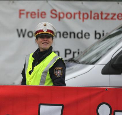 Streng geheim: Tanja Bauer (team2012.at und nebenbei bei der Polizei)