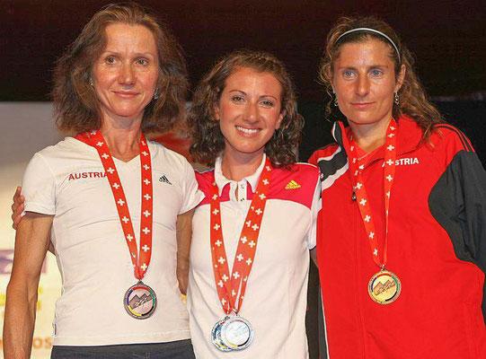 Jungfrau-Marathon 2012: bei der Langdistanz-Berglauf WM holen Carina, Sabine Reiner und Karin Freitag Bronze mit der Mannschaft