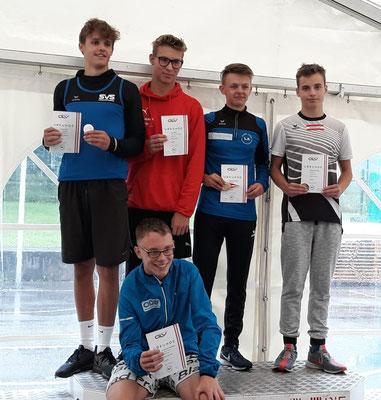 Siegerehrung der 1000m am Sonntag (Markus lächelt fast! ;- ); Foto: Maria Reißelhuber