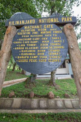 Es wird endgültig ernst. Der Beginn des Anstiegs auf den Kilimandscharo.