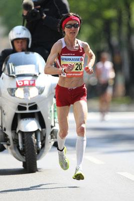 VCM 2009 - Carina läuft mit 48 Jahren hervorragende 2:51 und wird hinter Siegerin Andrea Mayr zweitbeste Österreicherin.