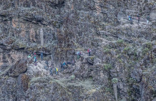 """eine andere Gruppe etwas patschert in der """"Baranco-Wall"""""""