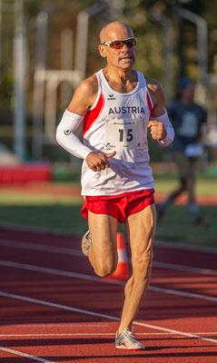 Gerald Holkovic startete über 1000m und gewann danach den 5000m-B-Lauf