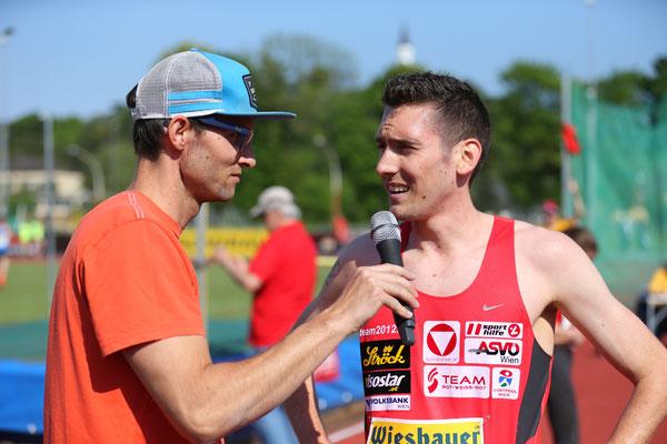 Andi als schnellster Läufer des Tages beim Interview