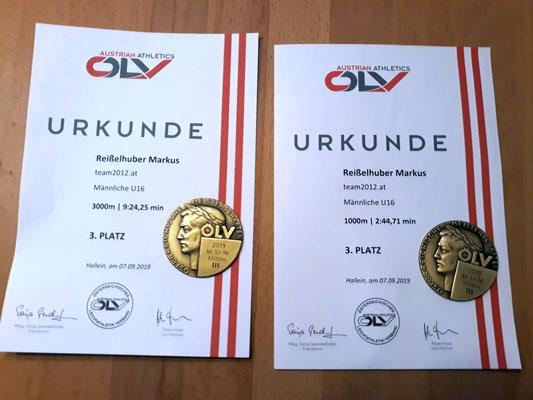 Die Urkunden/Medaillen von Markus; Foto: Maria Reißelhuber