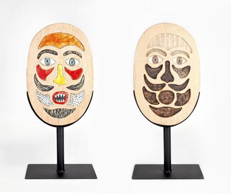 """""""Armo y desarmo mi máscara"""" (Frente y dorso) - 64 x 30 x 20 cm - Madera, metal, cerámica - 2019"""