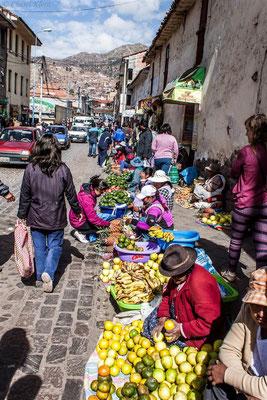 street market in Cusco  -- Peru / Centro De Rescate Taricaya