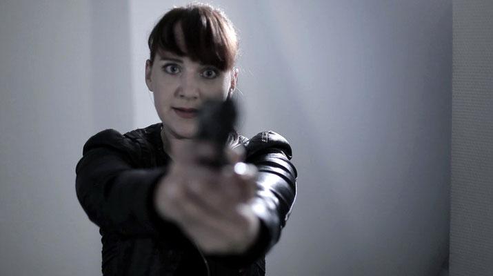 """Filmstill """"The Icon"""", Claudia Dalchow als Kommissarin Karla Brinkmann"""