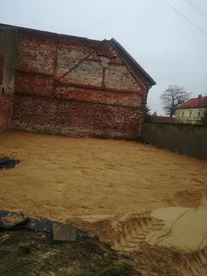 Paddock Hof- Sand aufgeschüttet