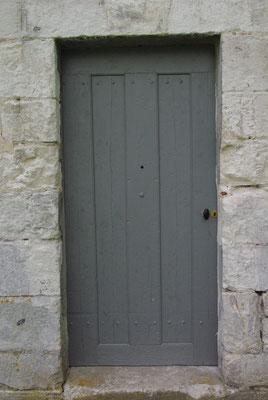 Porte ancienne restaurée