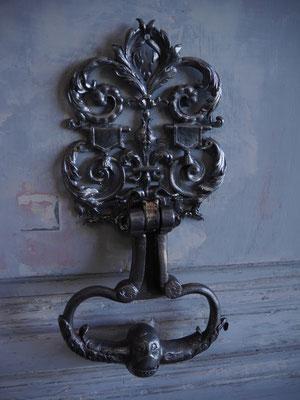 Pose de la poignée et de sa plaque décorative