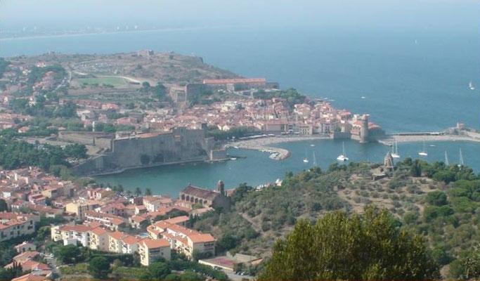 Vue du port depuis le château d'Elne