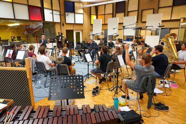 Brass Band Berner Oberland BBO unter der Leitung von Corsin Tuor