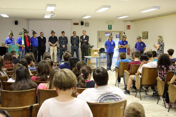 ANA San Giorgio - Consegna del tricolore terza media 2017
