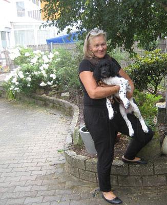 Aurel ist in die Schweiz zur Familie Meyer umgezogen